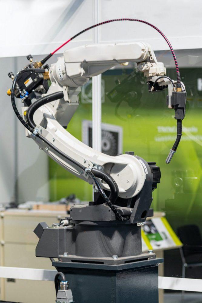Braccio meccanico industry 4.0 dal sito D&B Automazioni