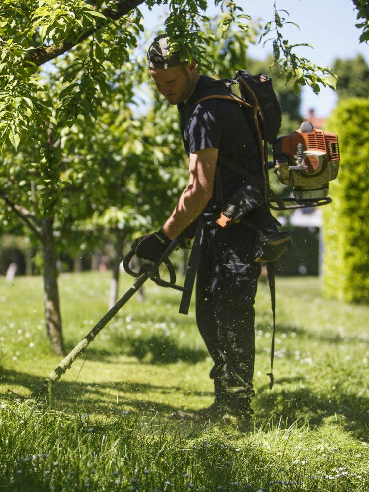 Giardiniere cooperativa SMART GS al lavoro